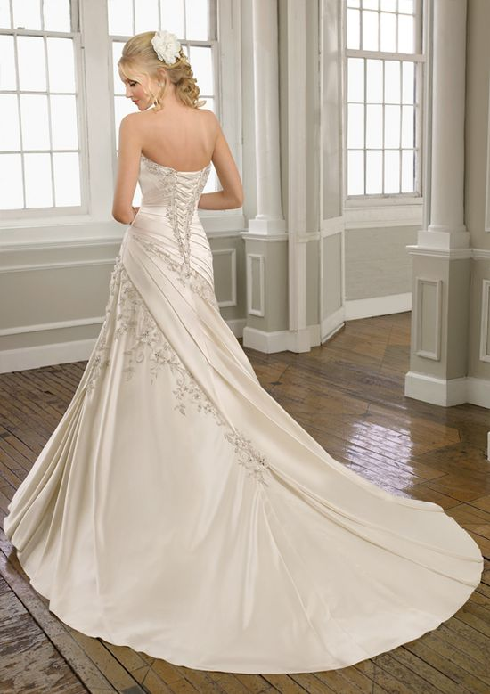 Charming Stretch Satin Sweetheart Wedding Dress Princess Wedding Dresses
