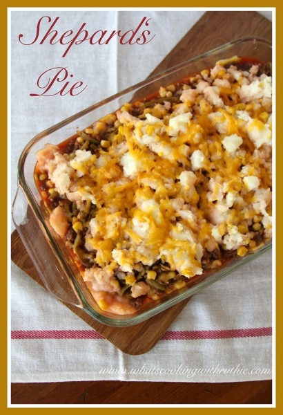 Shepard's Pie is Quick and Easy!  A fabulous way to use up leftover mashed potatoes! by whatscookingwithr... #recipes #main_dish