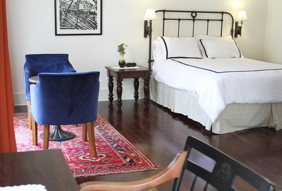 01-contemporary-guest-room-design