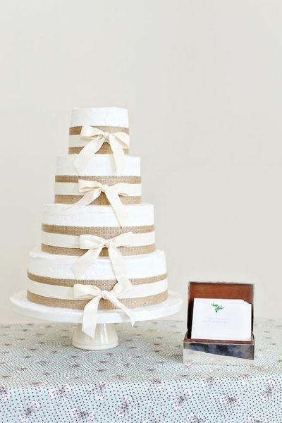 burlap and bows cake
