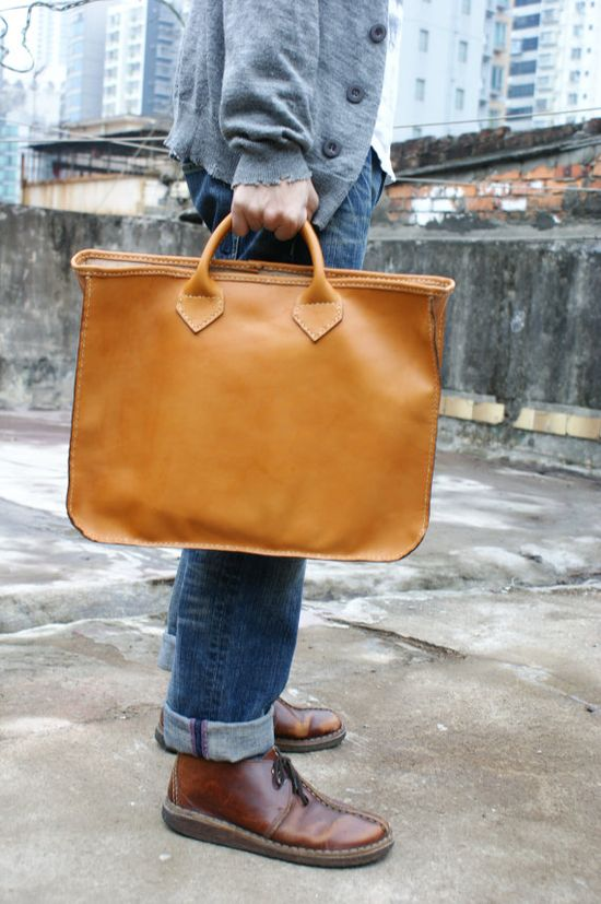 man´s leather bag