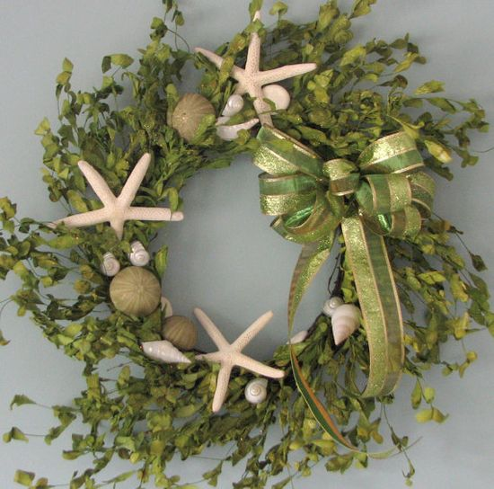 Coastal Holidays / Coastal style starfish and seashell Christmas ...