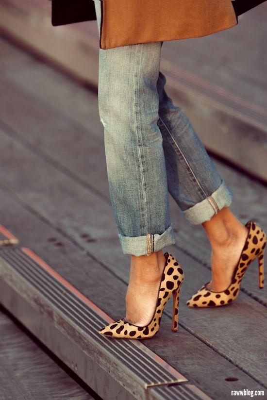 cuffed jeans + leopard heels.