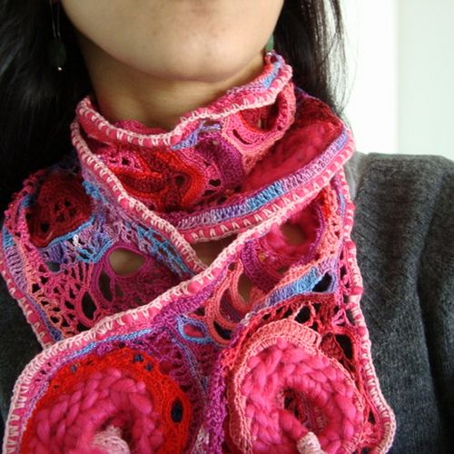 PINKLOVELY Scarf Crochet Freeform {Sara Aires}