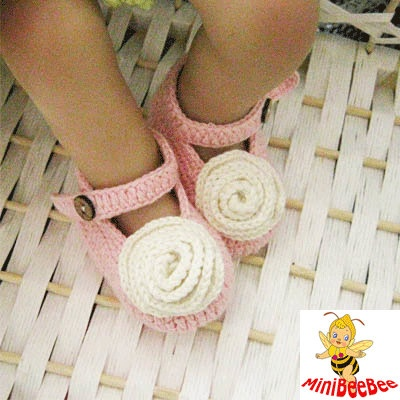 Handmade Crochet Baby Shoes Crocheted Baby Shoes Knitting Shoes with Flower for Newborn