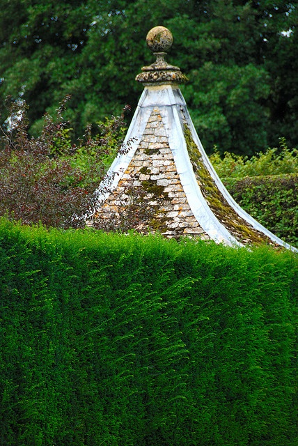 Over the (H)edge at Hidcote Manor Garden! by antonychammond, via Flickr
