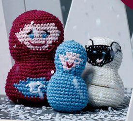 Crochet nesting dolls, customize the faces with your own creative ideas. Free.