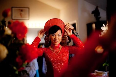 Very simple pattern on this wedding #aodai.