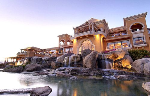 Gorgeous home and waterfall!