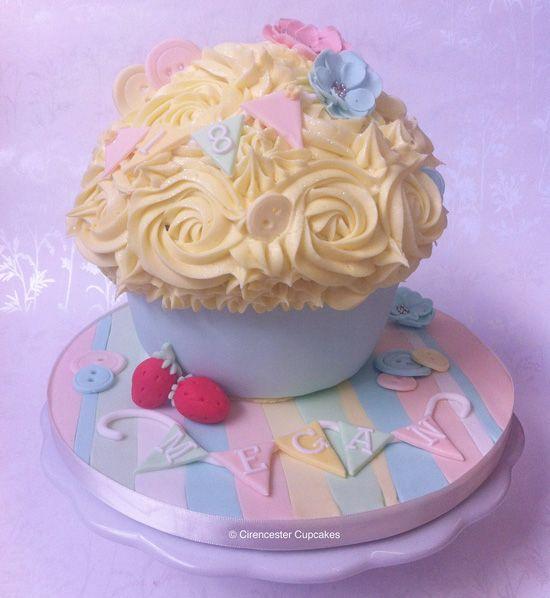 Cath Kidston Inspired Cupcake thecupcakedailybl...