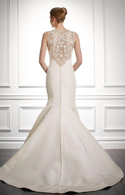 stunning back! Gown by Carolina Herrera