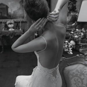 Lovely backless wedding dress