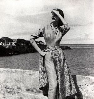 I've always loved the 1950s look of a skirt worn over slim pants. #summer #beach #vintage #fashion #1950s