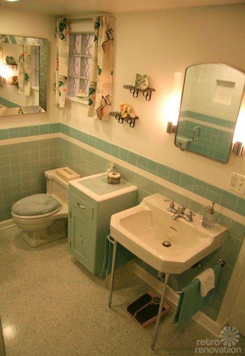 vintage-blue-bathroom