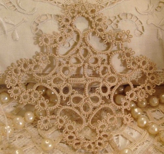 Beautiful tatting