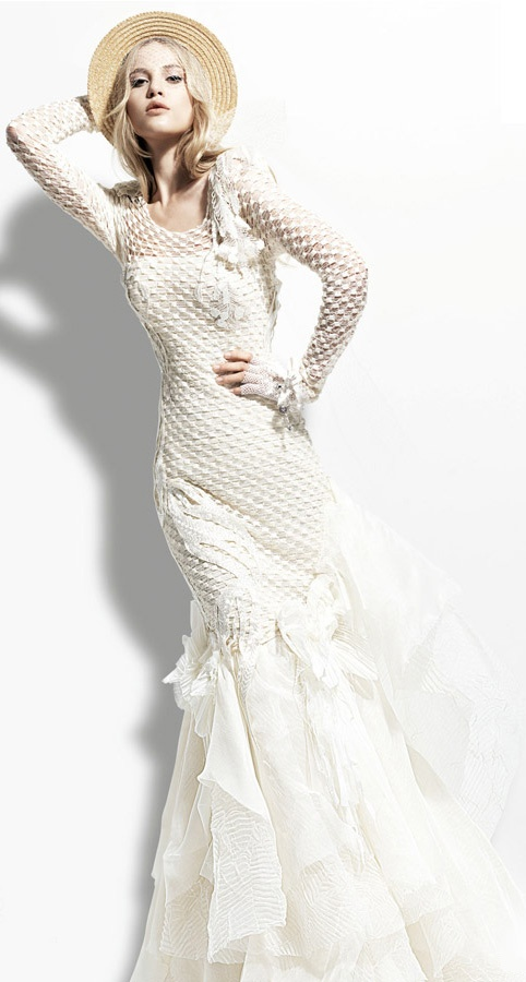 Yolan Cris 2013 Chelsea Girl Bombay long sleeve wedding dress. So different and unique. love it!