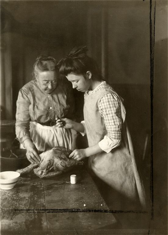How to prepare a chicken. 1915