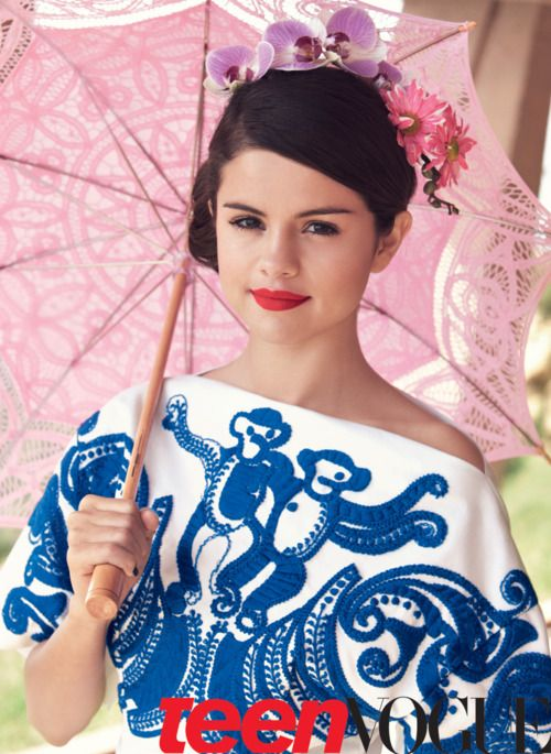 This Selena Gomez beauty look is so pretty!