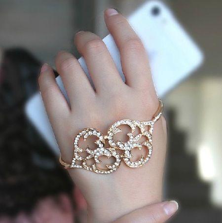 Rhinestone Hand Bracelet