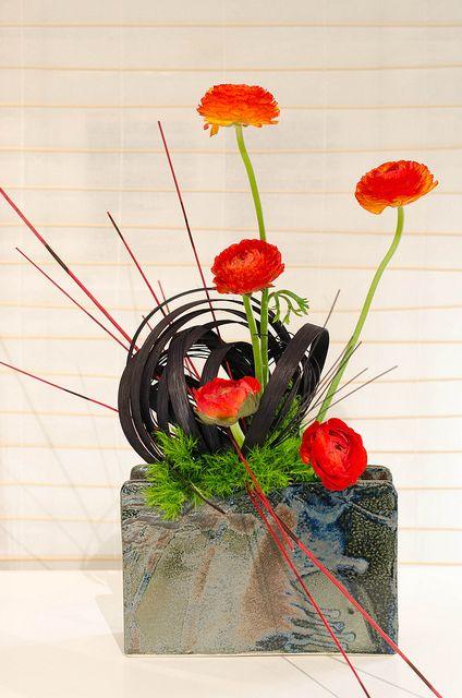 Ikebana by FoToZaTooS, via Flickr