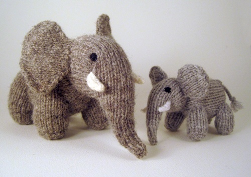 Knitted elephants - mother and baby
