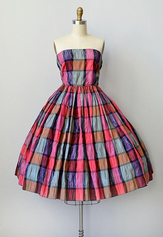 vintage 1950s dress via Etsy. You know how I love taffeta plaid.