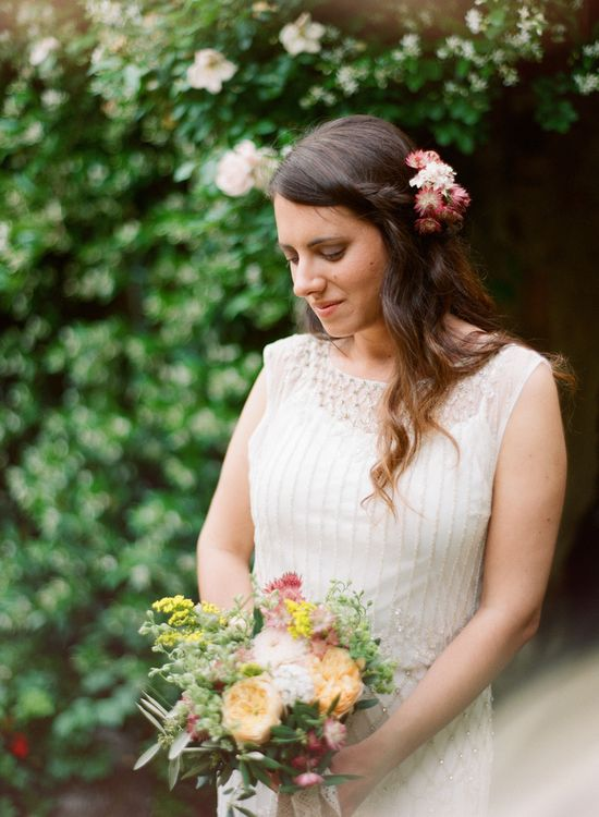 floral hairpiece to match bouquet // photo by Cinzia Bruschini