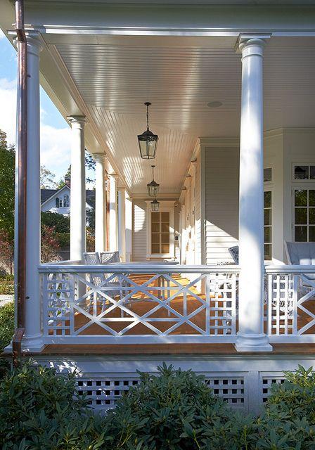Loving this porch detail .
