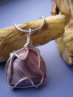 4 Quick and Easy Wire-Wrapped Pendant Tutorials