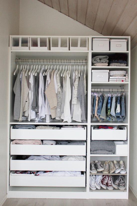 Cutttte! Perfect small closet :)