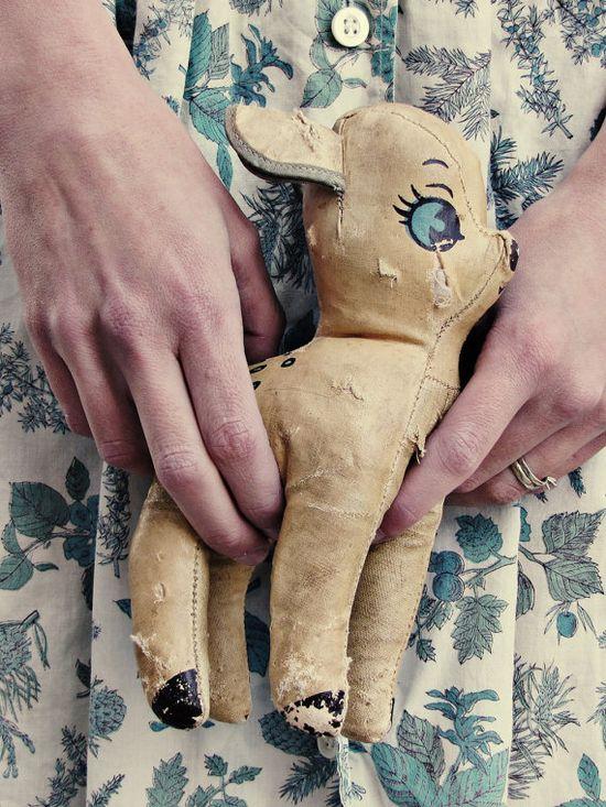 Vintage bambi toy... aaah!