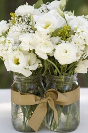 Grouping mason jars with ribbon (or lace ribbon)