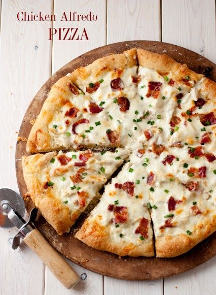 chicken alfredo pizza - this uses homemade Alfredo sauce w/recipe included