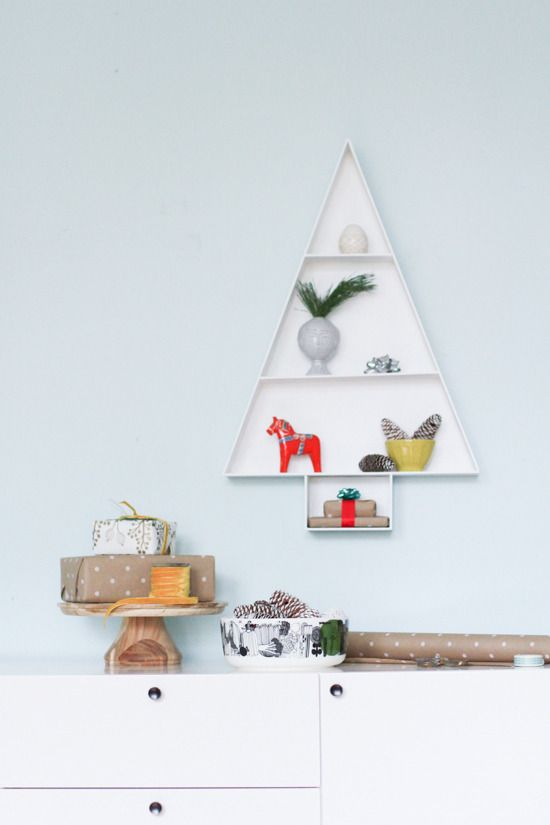 Make a Modern Wooden Christmas Tree Display Shelf