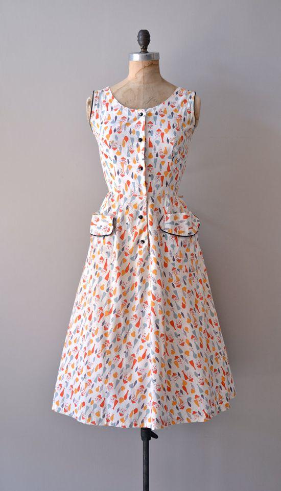 vintage 1950s Blenko dress    #vintagedress #midcentury #noveltyprint #1950s