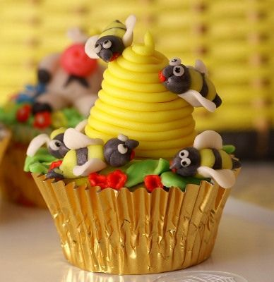 bee hive cupcakes