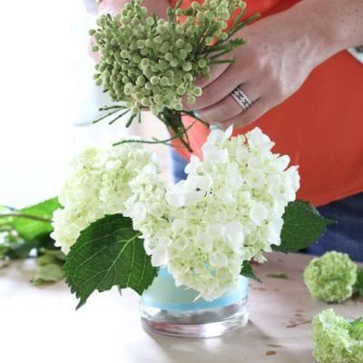 Floral Arrangements Like a Pro {Floral Arrangements}