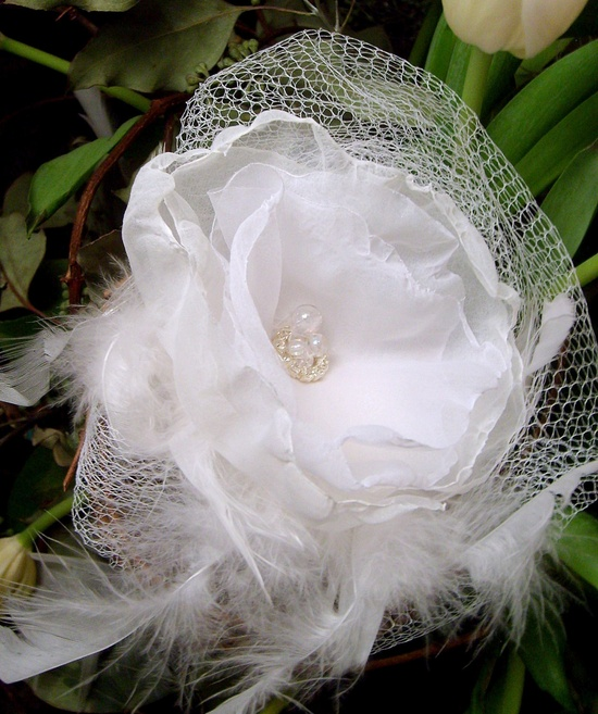 Pretty White Feather and Organza Hair Accessory