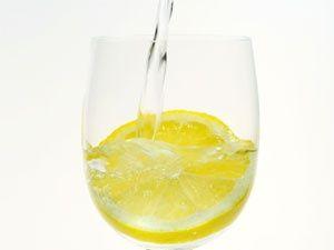 Top 10 Health Benefits of Lemon Water