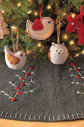 Pretty Felt Christmas Tree Skirt.
