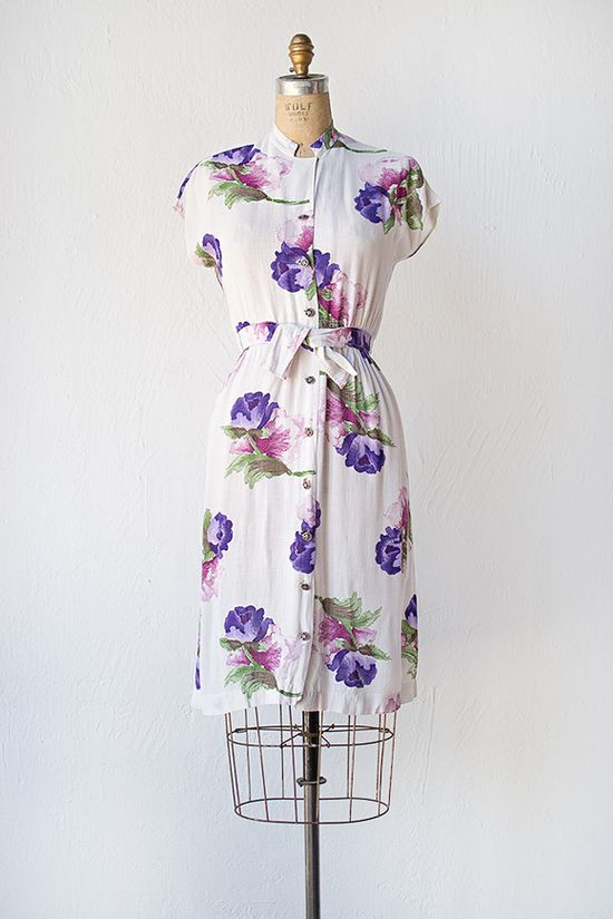 Lovely purple and pink floral print 1940s rayon dress. #vintage #1940s #fashion #dresses