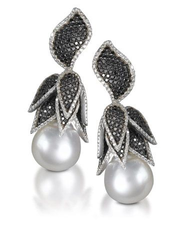 Pearl and Black Diamond earrings (=)
