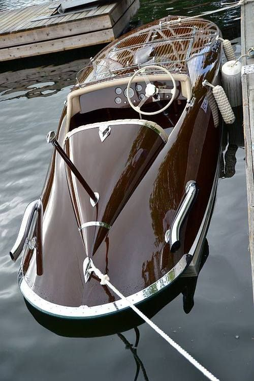 Classic Wood Speed Boat