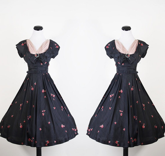 I want to wear this! (Cocktail Dress 1940s )