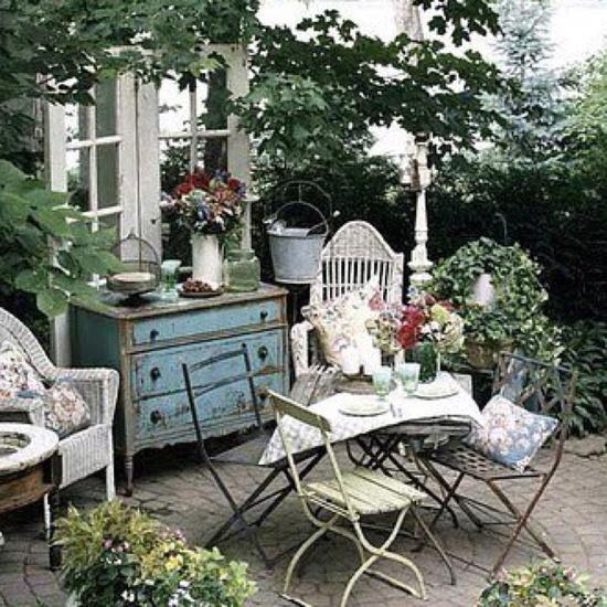 romantic garden tablescape