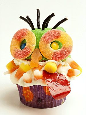 •?• Let guests have fun decorating their own cupcakes with various toppings to make their own cupcake monsters! #Halloween