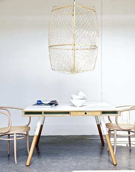 Lamp met net - #vtwonen Styling @Marianne Glass Glass Luning Fotografie Marc van Praag en Sunna-Ra Bijl