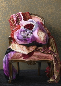 Valentine's Day 2013 - Valentine Home Decorations with Lots of Flowers in Old Colors like Purple, Red and White. Romantic Chair Matches Perfectly with the Luxurious Wallpaper! (Photo Valentine Roses by Flower Council the Netherlands)