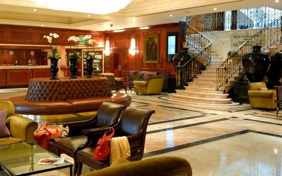 5 Star Lobby Interior Design of Radisson Edwardian Heathrow London www.designwagen.c...