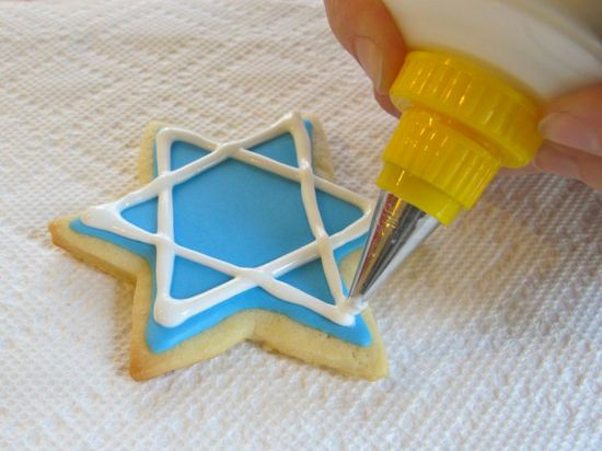 How to Decorate Cookies with Royal Icing 21